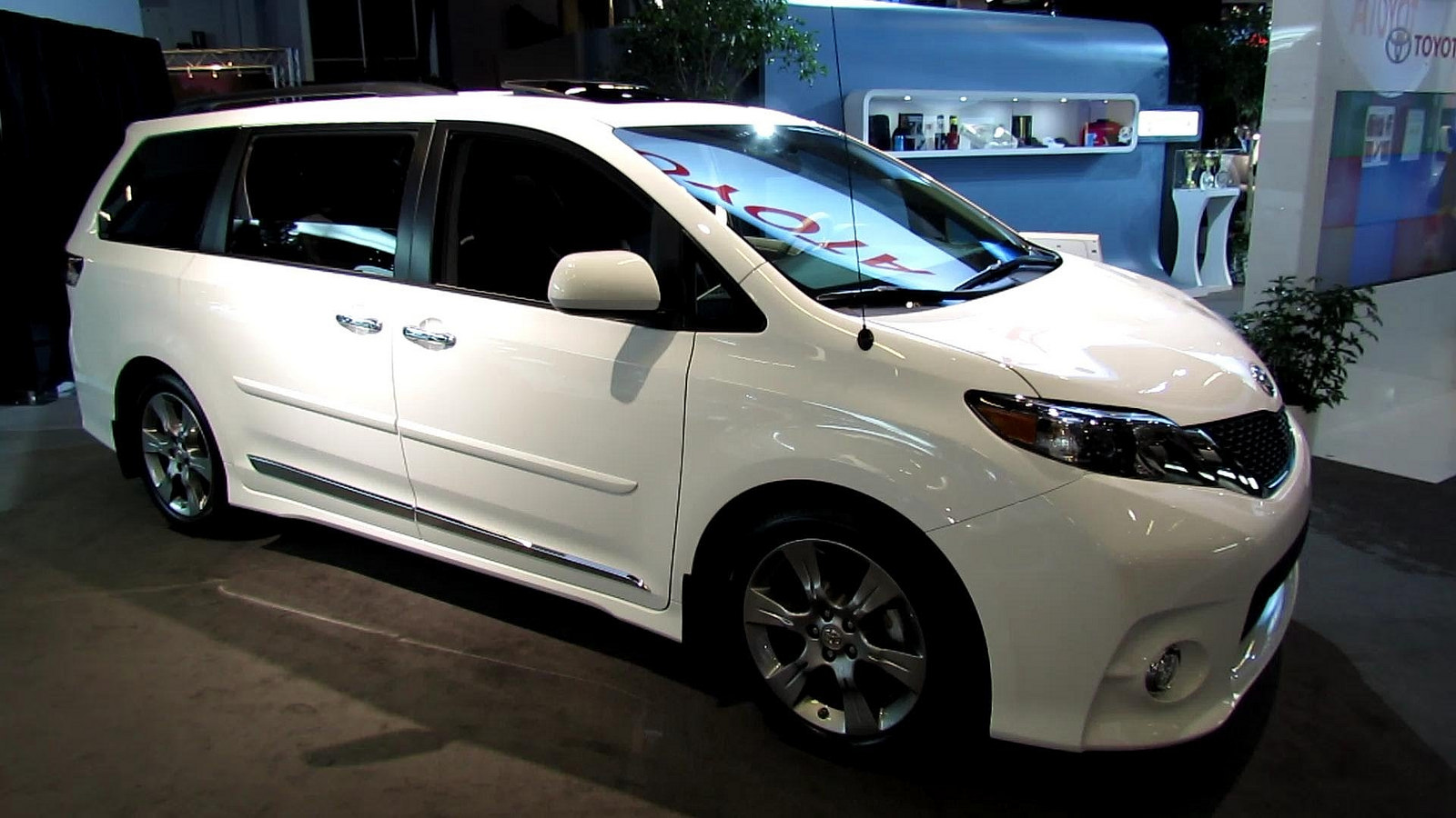3 Life Saving Safety Features Of The 2016 Toyota Sienna